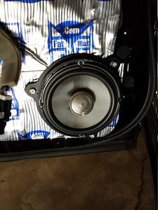 2011 Nissan Leaf SL Rear Door Speaker Installation - USA