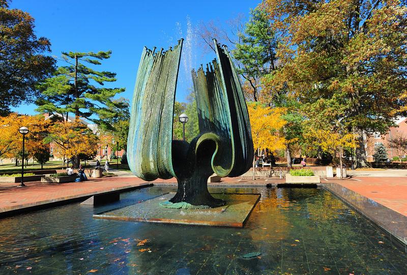 memorial fountain2261.jpg