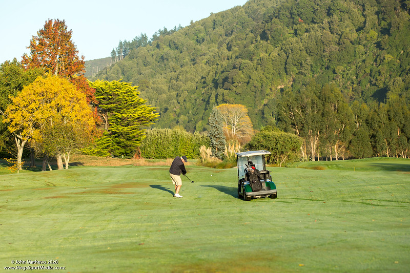 20200428 Ian Waddell -1st day of play at RWGC after Covid-19 lockdown_JM_2111.jpg