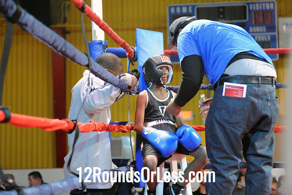 Bout 6 Antwan Grier, MLK Premier -vs- Marvin Descott, Empire BC/ Zelma George-65 lbs, Bantam