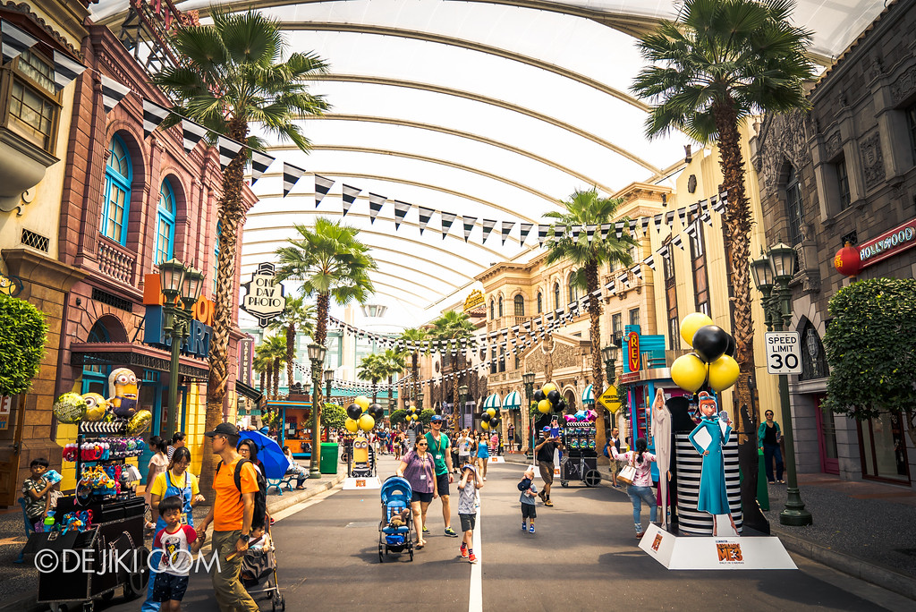 Universal Studios Singapore Park Update July 2017 - Despicable Me Minion Breakout Party event / Hollywood Boulevard decorations