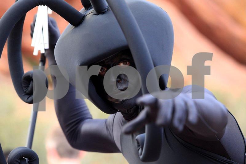Performer, alien 8631.jpg
