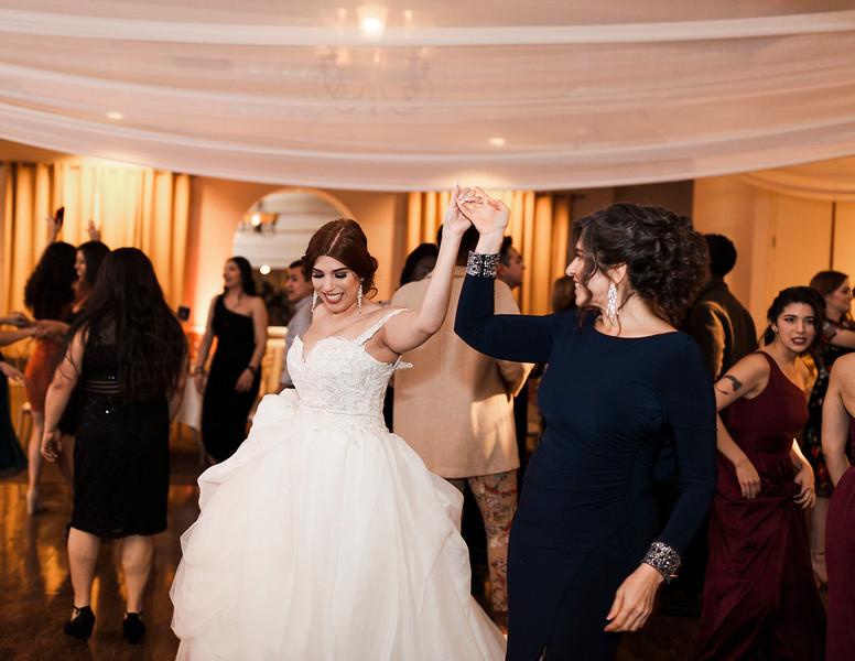 Alexandria Vail Photography Wedgewood Fresno Wedding Alexis   Dezmen838.jpg