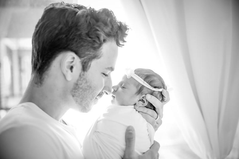 bw_newport_babies_photography_hoboken_at_home_newborn_shoot-5044.jpg