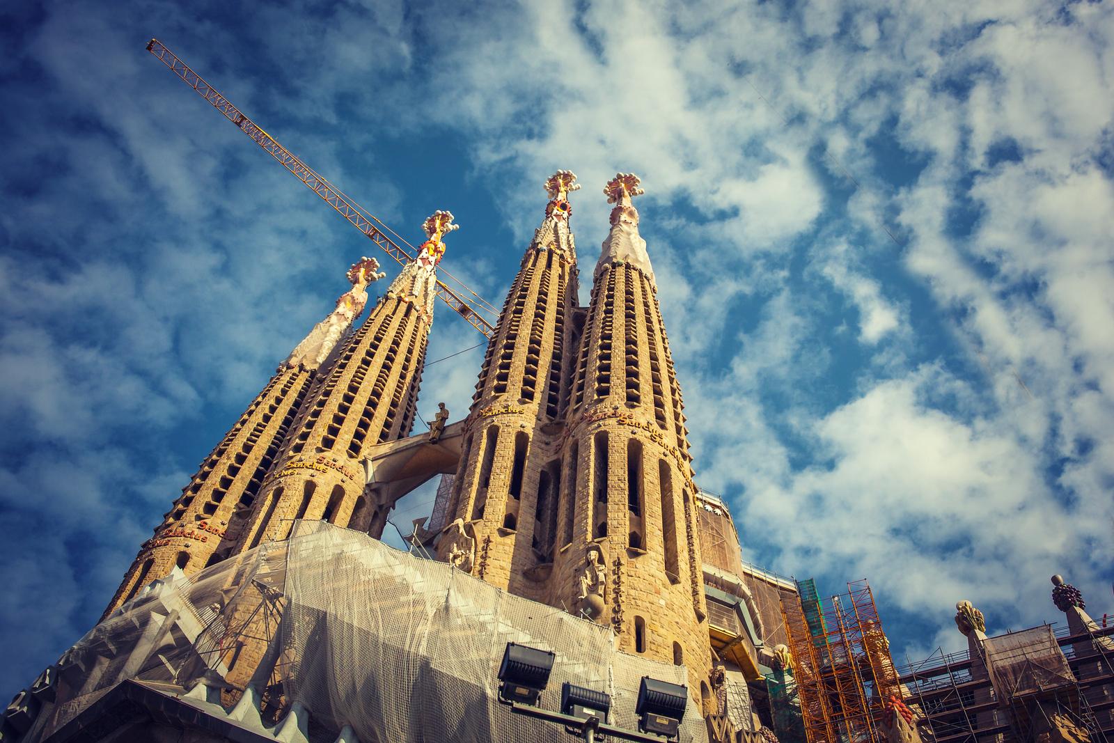 西班牙圣家堂(Sagrada Família),百年还未完工的世界遗产
