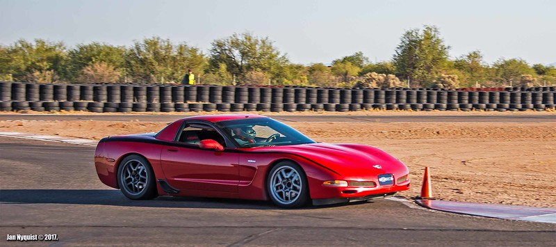 Corvette-red-black-stripe-4892.jpg