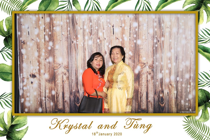 Krystal-Tung-wedding-instant-print-photo-booth-in-Ho-Chi-Minh-City-Chup-hinh-lay-lien-Tiec-cuoi-WefieBox-Photobooth-Vietnam-026.jpg