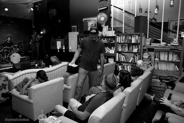 MAUI BLUES & CO. with GARY CHADWICK (BTS)