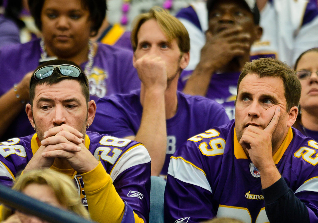 . Fans react as the Vikings try and fail to score in the final seconds of their 31-27 loss the Browns.  (Pioneer Press: Ben Garvin)