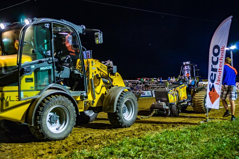 Tractor Pulling 2015-01892.jpg