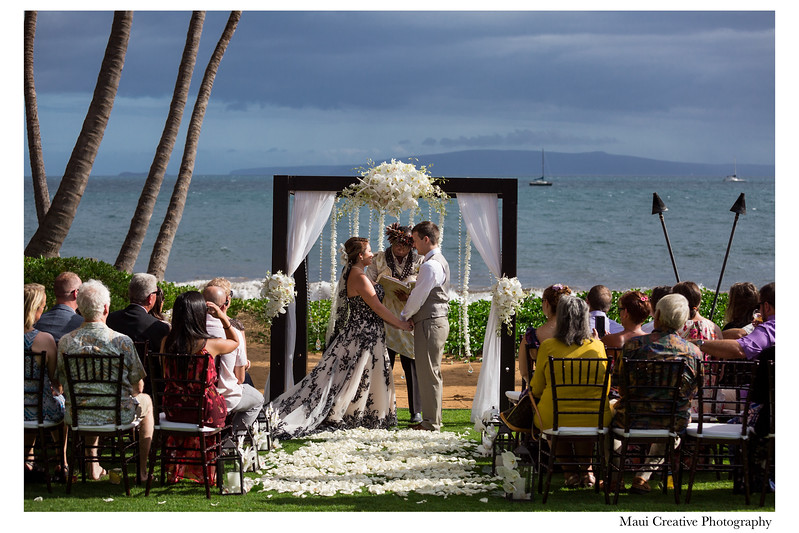 Maui-Creative-Destination-Wedding-0078.jpg
