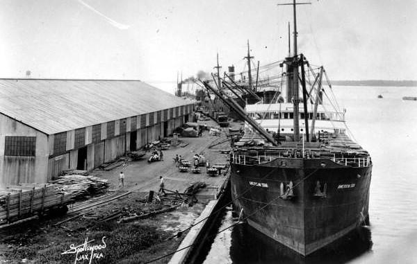 1939 Steamboats 2.jpg