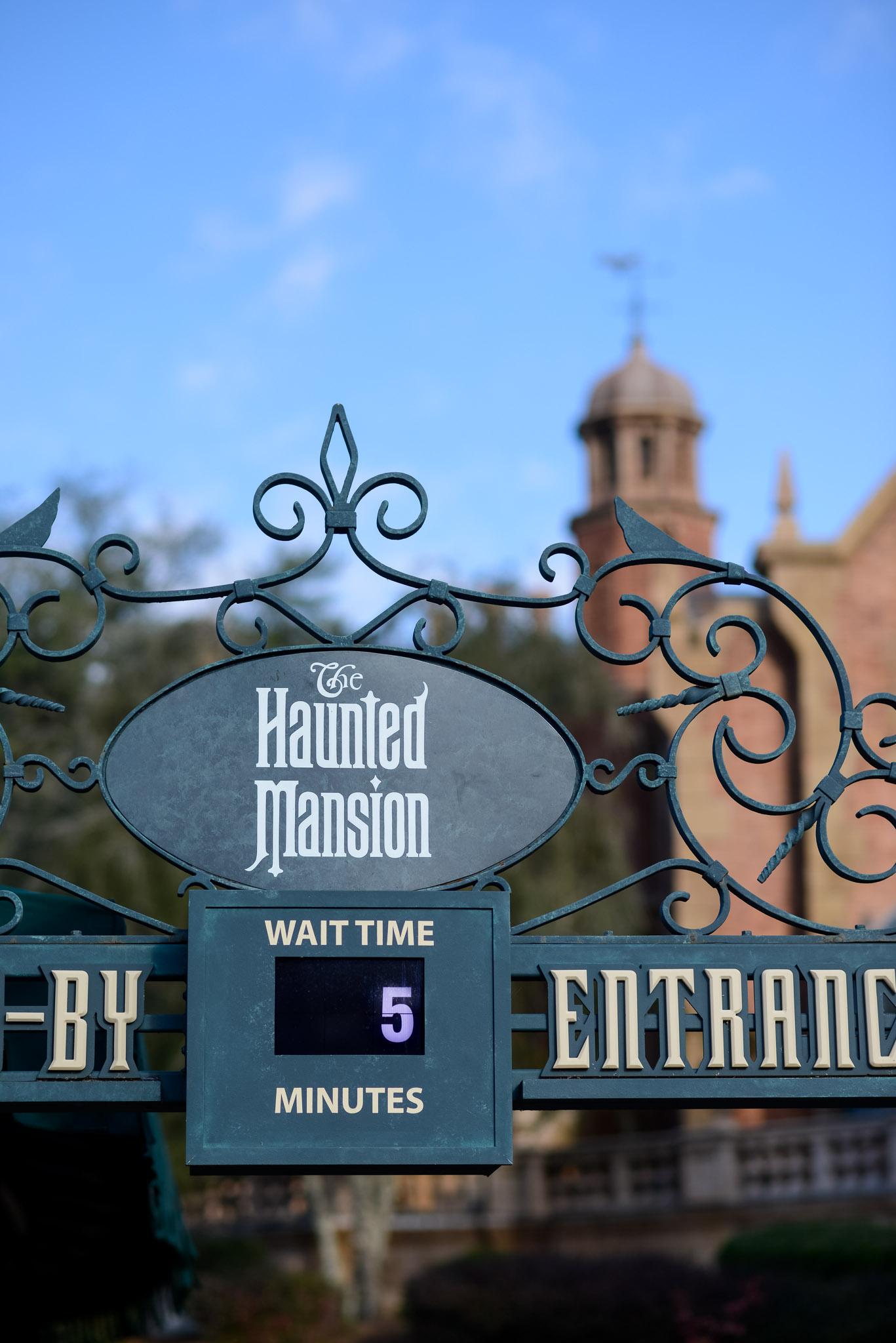 Haunted Mansion Wait - Walt Disney World Magic Kingdom