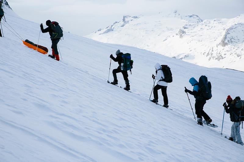 200124_Schneeschuhtour Engstligenalp_web-376.jpg