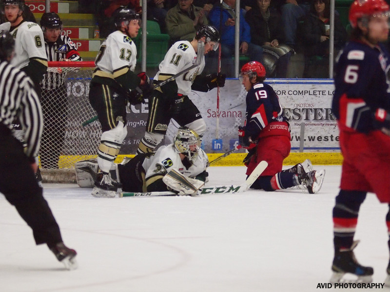 Okotoks Oilers vs Brooks Bandits April 4th AJHL (7).jpg
