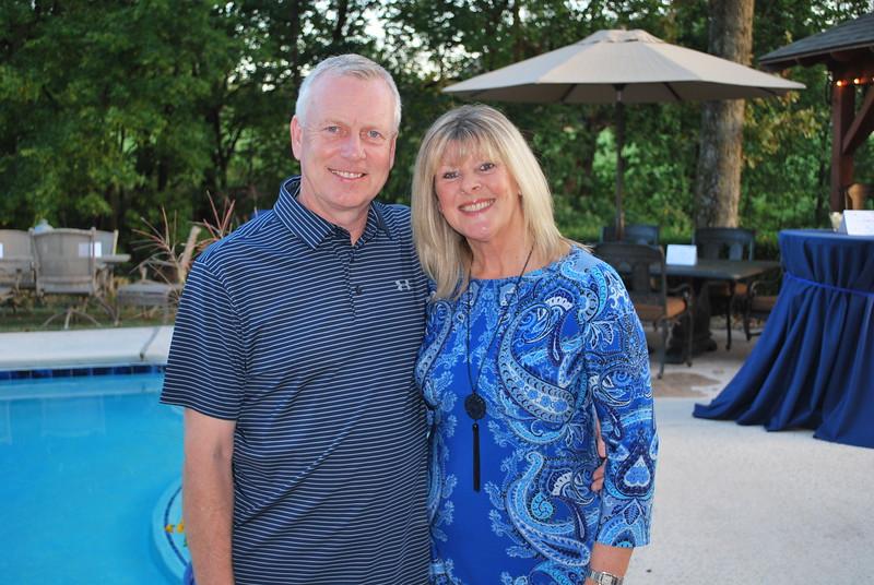 John & Karen Scholes.JPG