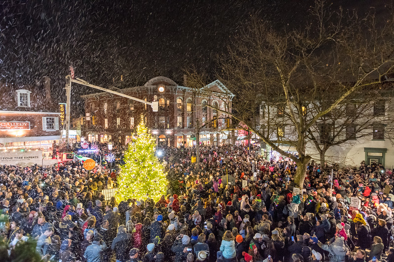DoylestownTreeLighting2019.jpg