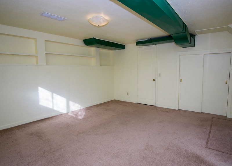 bas bedroom 1.jpg