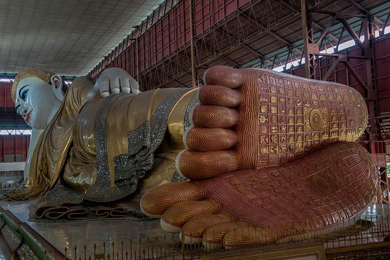 Reclining buddha feet.jpg