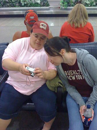 2009 04 18 - Lisa and Dawn