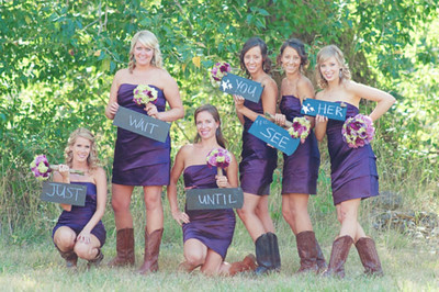 wedding-first-look-with-bridesmaids-signs.jpg