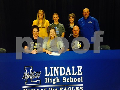lindales-pilkinton-signs-for-tjc-volleyball