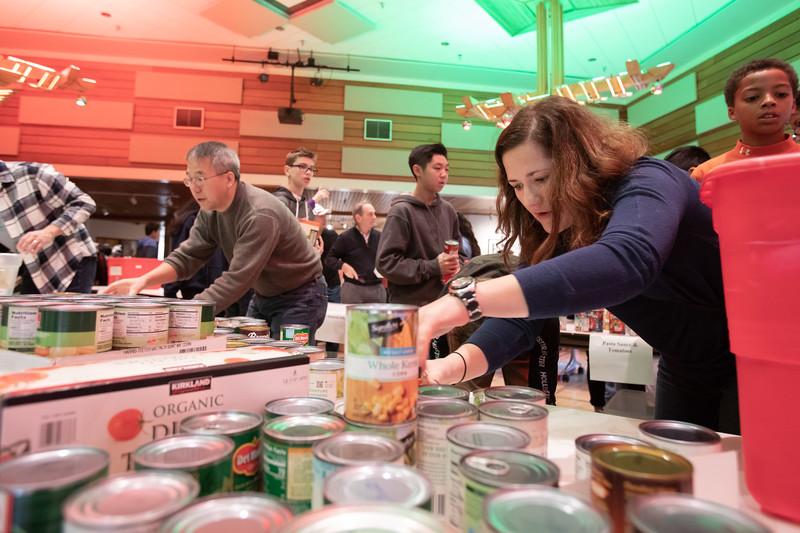 20181122 028 Thanksgiving food drive.JPG