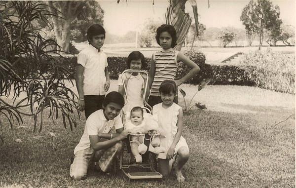 Irmãos Alves, (filhos do Chefe da Alfândega do Dundo de 1970-1974).  Bernardo,Daniel,Tina,Beta,Carla e Jorge.