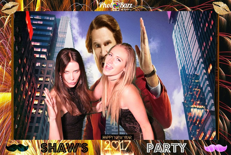Shaws NYDay Party (32).jpg