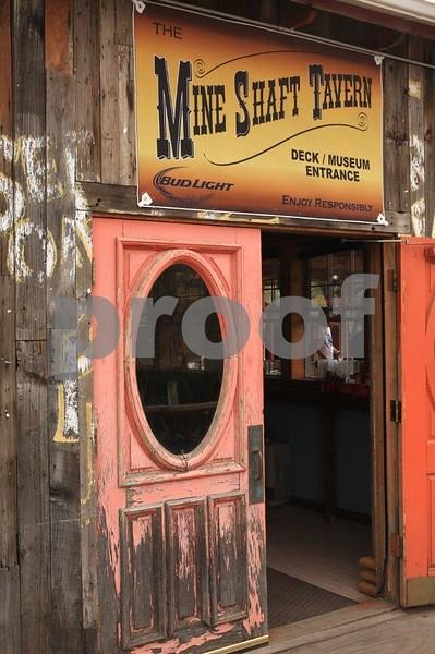 Madrid Mine Shaft Tavern 6406.jpg