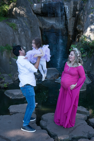 Maternity -08675.jpg