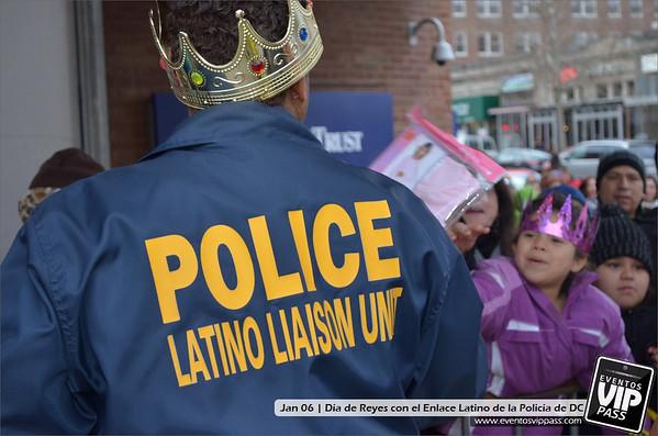 Día de Reyes con el Enlace Latino de la Policía de Washington DC y El Zol 109.7 FM