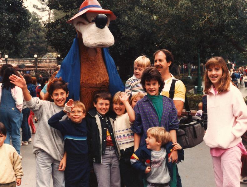 1986DisneylandGroup.jpg