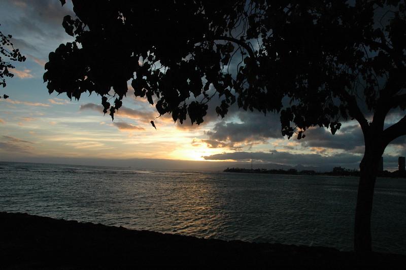 Hawaii - Ala Moana Beach Sunset-53.JPG
