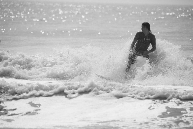 Surf_BW_005.jpg