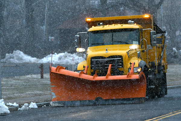 3/21/2018 Mike Orazzi   Staff Snow begins to fall around rush hour in Bristol Wednesday.