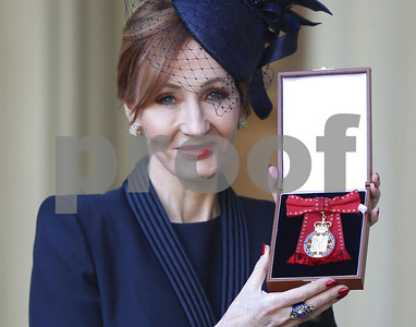jk-rowling-says-shes-proud-to-receive-royal-honor