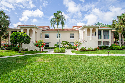 110 Siena Way #208, Naples, Fl.