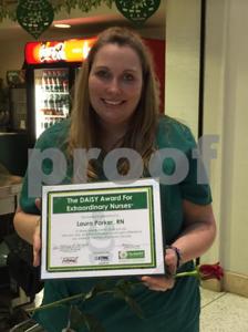 etmc-jacksonville-nurse-receives-daisy-award