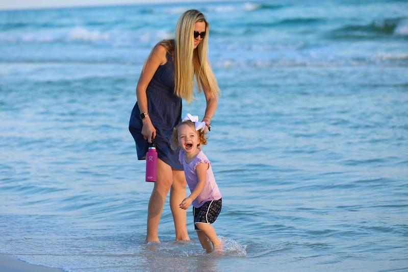 Harper at the beach-15.jpg