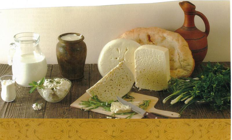 008_Georgian_Cheese_and_Bread.jpg