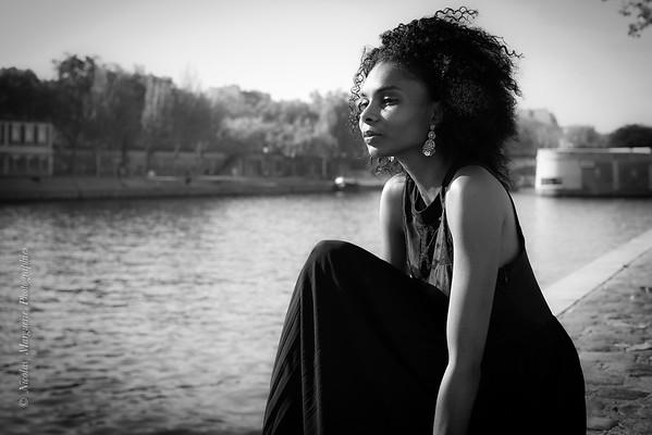 Cynthia L., Ile Saint Louis, La Dame Etait En Noir...