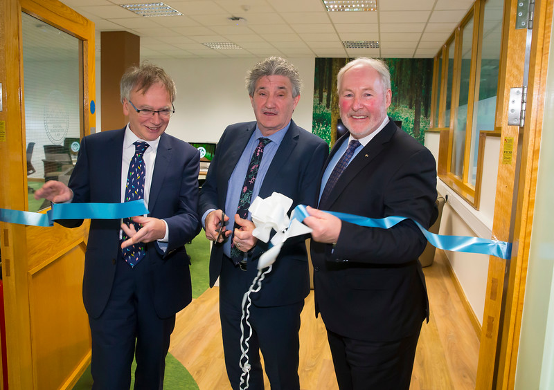 12/03/2019. Digital Innovation Lab Sponsored by Salesforce officially opens in Waterford Institute of Technology. The 32 desk lab has been designed to inspire collaboration and interactivity, to bring the 4th industrial revolution to life for the students of WIT. Both Teachers and Students will use Salesforce Technology to supplement and enhance their digital media education. Pictured are Prof. Willie Donnelly, President of WIT,  Minister John Halligan TD and Dr David Dempsey Salesforce. Picture: Patrick Browne