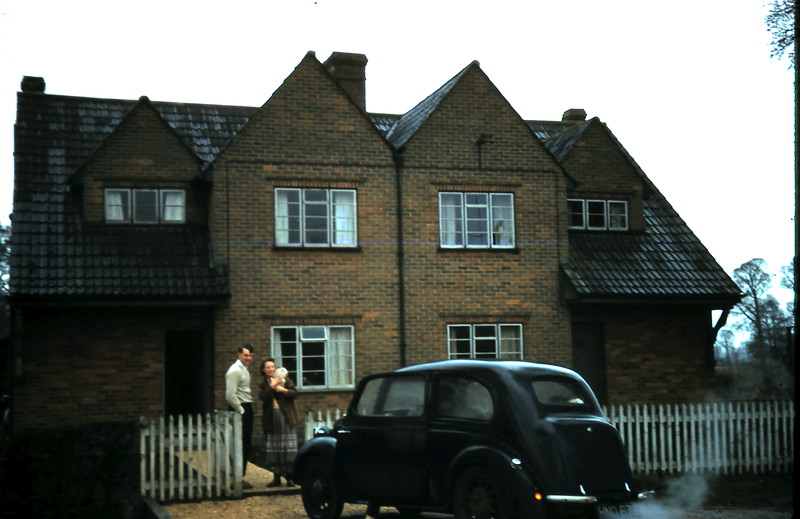 1959-3-14 Mervyn & Ivy @ their home @ Foxham.JPG