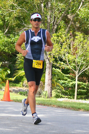 Miami Man Half Iron Triatlon (1.9km Swim, 90km Bike and 21 km Run)