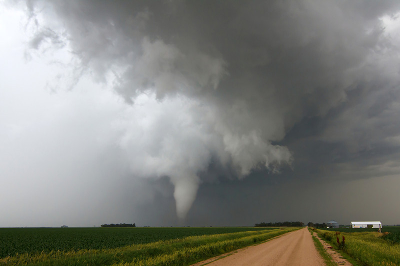 IMAGE: http://www.brettnickeson.com/Weather/Chases-and-Weather-Events/Bradshaw-NE-tornado-and-McCook/i-7QVVCWK/0/L/IMG01638-L.jpg