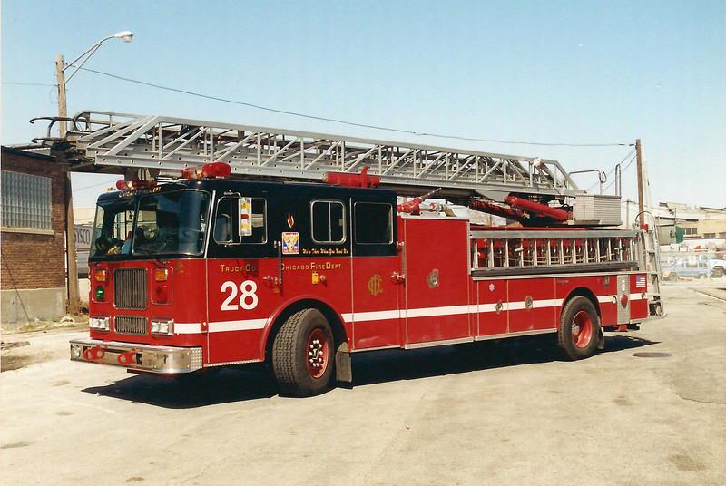 Chicago, IL X-Truck 28 E-272 1995 Seagrave 100' #75698