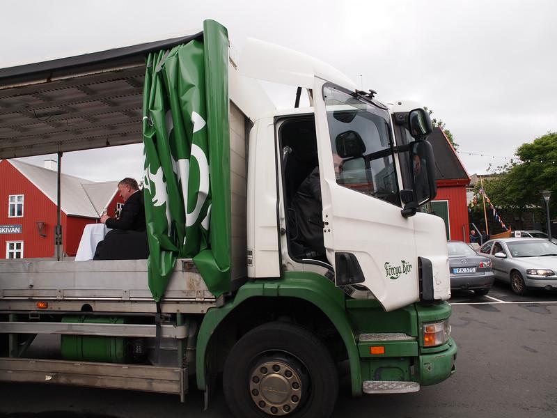Sølvbryllup på ladet af en lastbil. Foto- Martin Bager-7181669.jpg