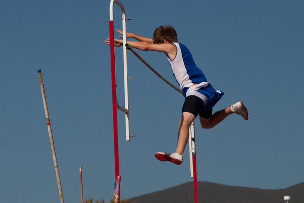 Josh Pole Vaulting vs Westview HS 2012-04-18