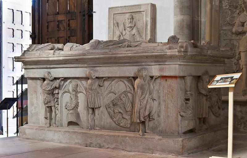 Arnstadt, Liebfrauenkirche; Grabtumba Günther des XXV. von Schwarzenburg (gest. 1368)